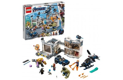 LEGO Marvel Avengers Compound Battle Collectibles Building Set with Superhero Minifigures 76131 Deal