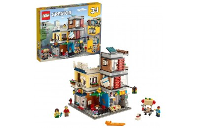 LEGO Creator Townhouse Pet Shop & Café 31097 Deal
