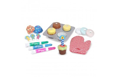 Black Friday 2020 Melissa & Doug Bake and Decorate Wooden Cupcake Play Food Set Deal